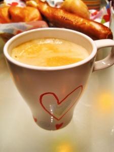 Tasse zum Muttertag - made by @zwitscherkitz. Bild: @offpulse